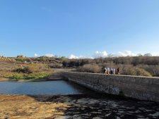 Atravessamos esta represa para chegarmos ao Lajedo.