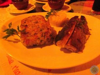 """A truta """"Elis Regina"""" acompanhada de arroz e batata rostie é maravilhosa!"""